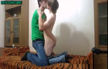 Young couple bareback blowjob jerking cumeating on cam